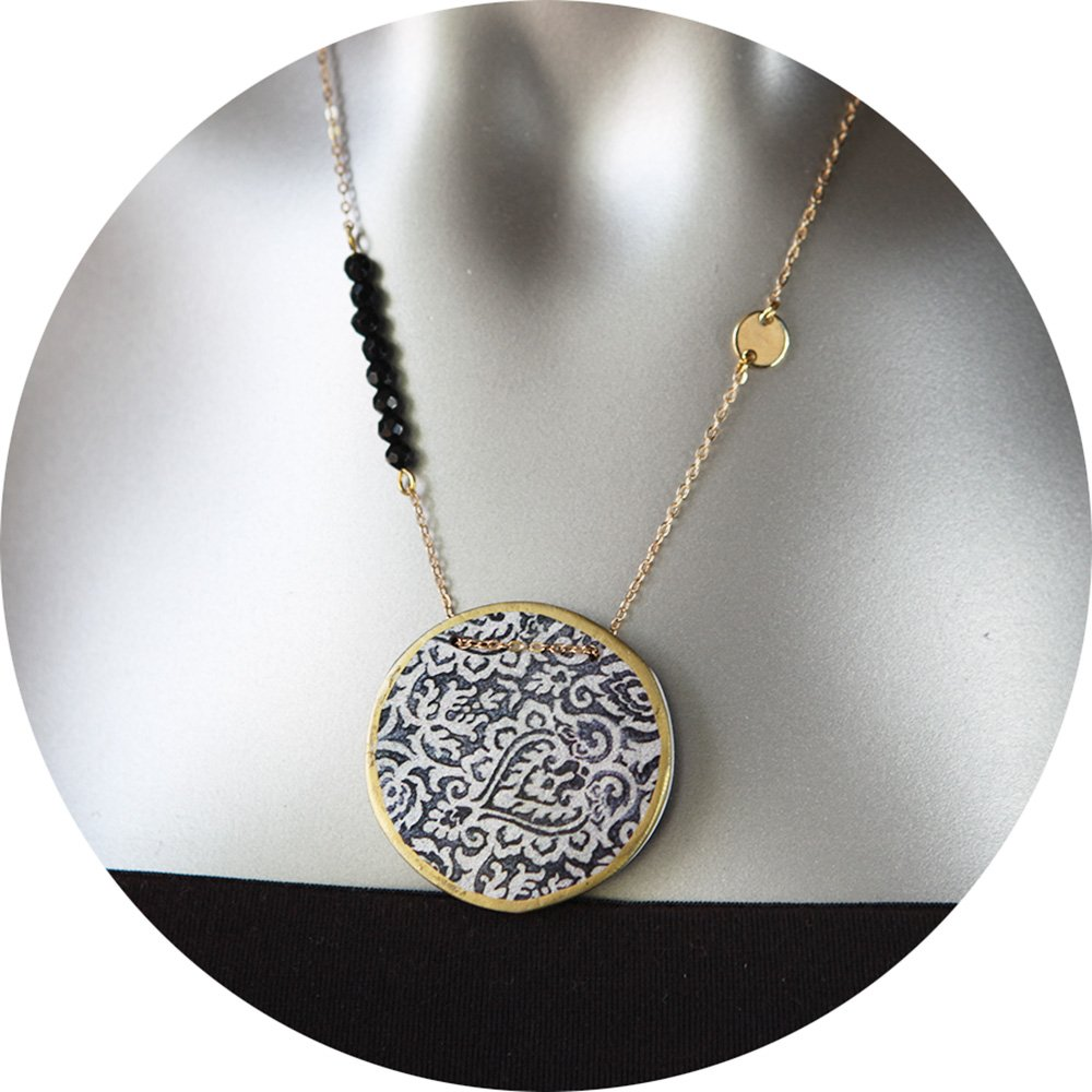 Morocco Lace Illustrated Art Necklace Blue Or Black