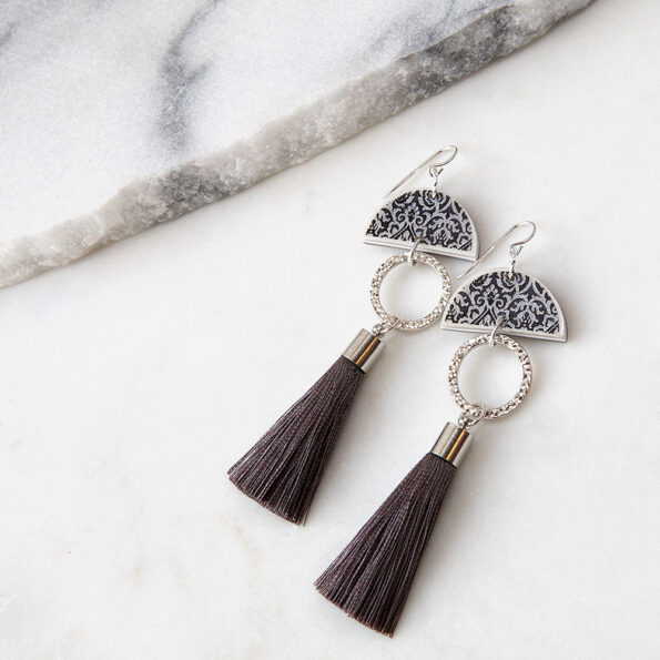 luxe lonely half moon tassel art earring SILVER silky short NEXT ROMANCE jewelery