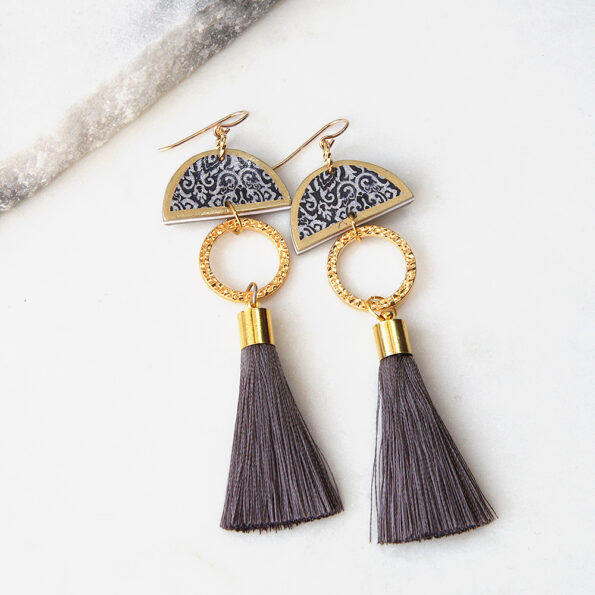limitless luxe lonely half moon tassel art earring grey short NEXT ROMANCE