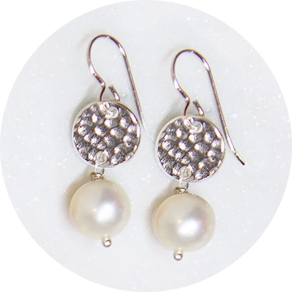 hammered silver Pearl earrings NEXT ROMANCE jewellery