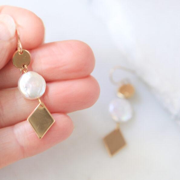 size coin pearl gold triple diamond